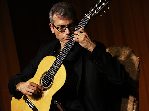 Kalamata Guitar Festival - Δημήτρης Κοτρωνάκης